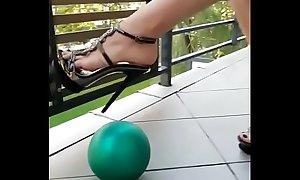 Footwork in heels