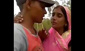 Bhabhi kiss video