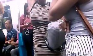 Flagra!!!novinhas taradas falando sacanagem no metr&ocirc_