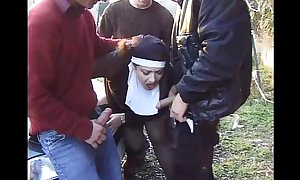 Jessica rizzo nun dressed gang team-fucked by amateu...